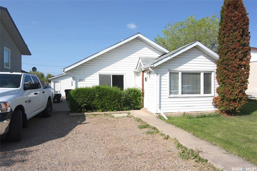 House for sale at 1360 7th St E Prince Albert Saskatchewan - MLS: SK775691