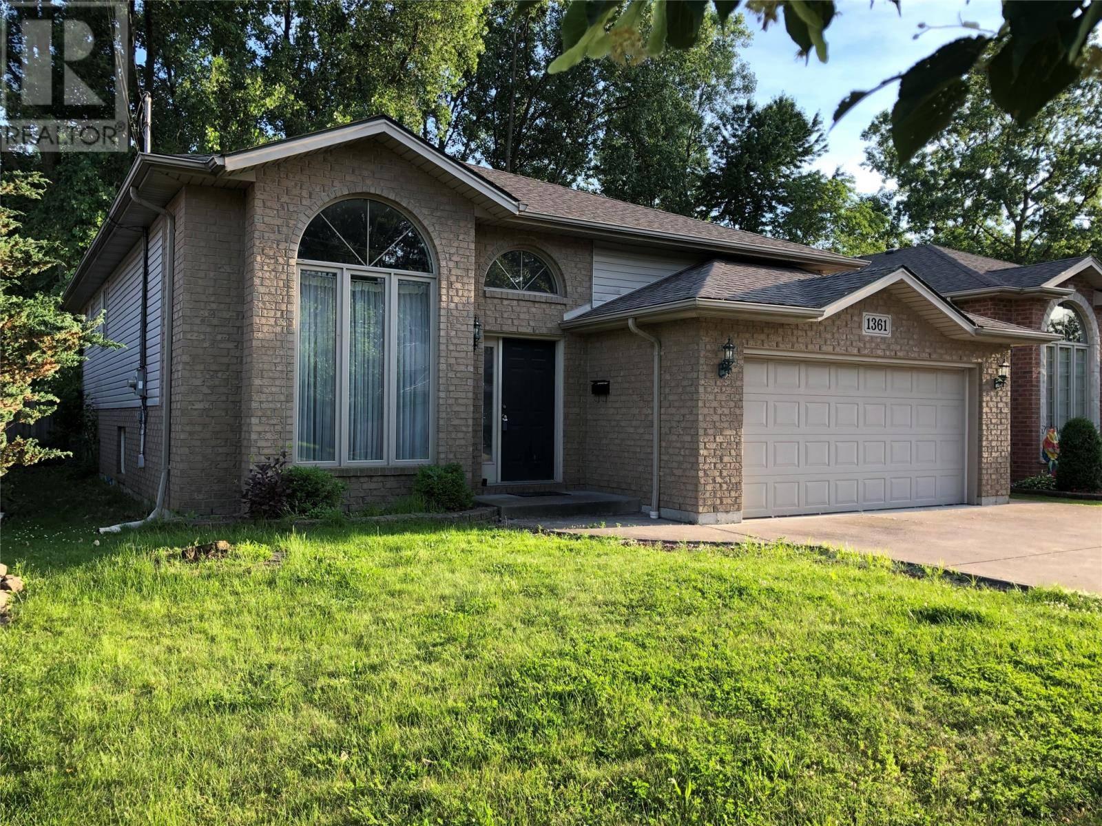 House for sale at 1361 Armanda St Windsor Ontario - MLS: 19020833