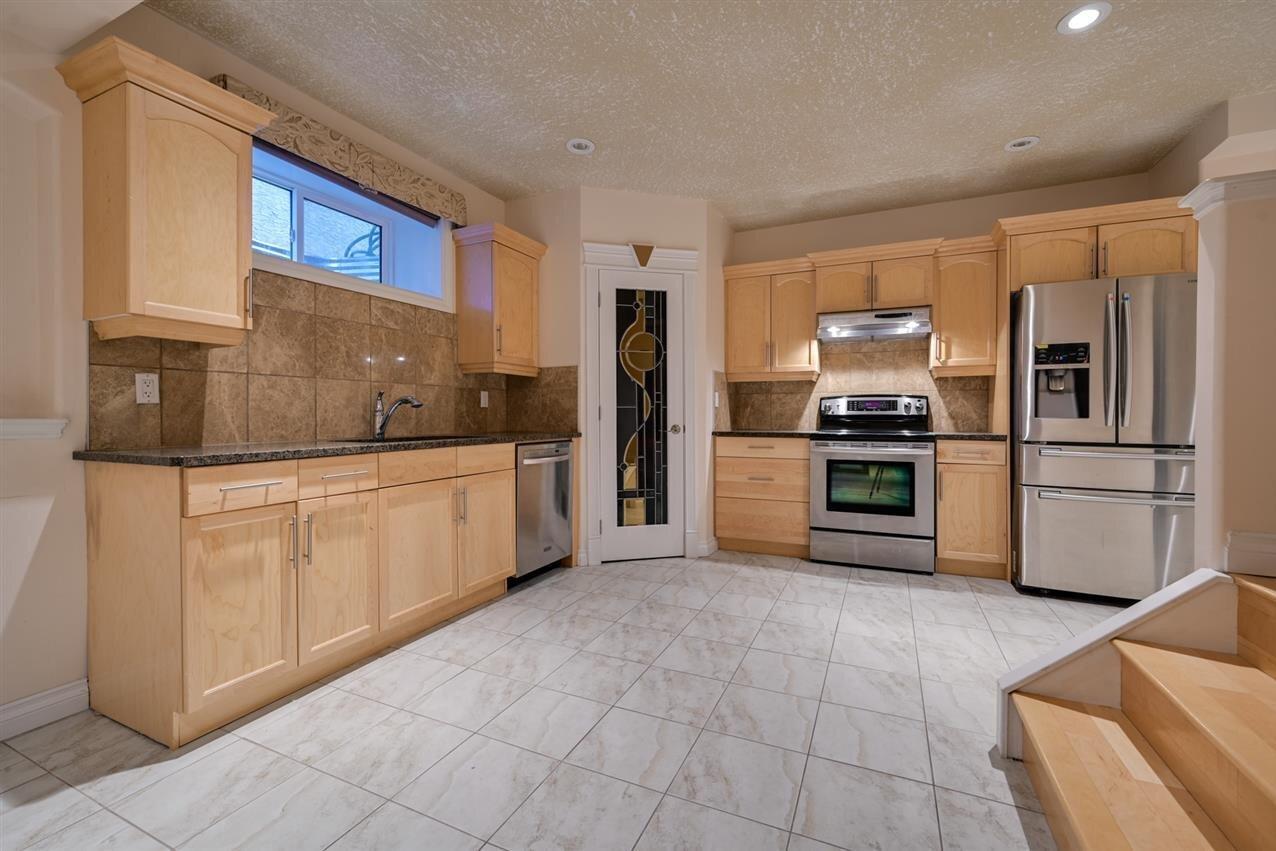 House for sale at 13612 160 Av NW Edmonton Alberta - MLS: E4206836