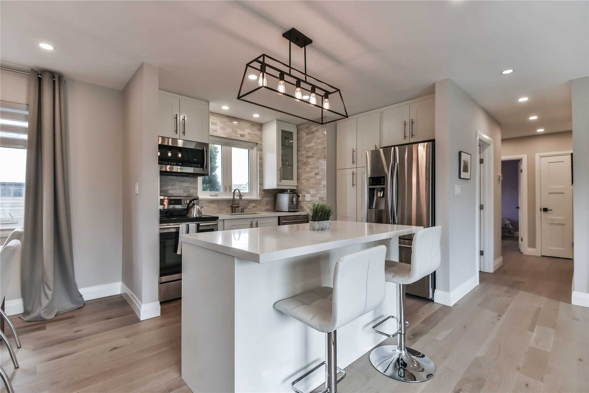 For Sale: 1363 Bridge Road, Oakville, ON   3 Bed, 2 Bath House for $999900.00. See 20 photos!