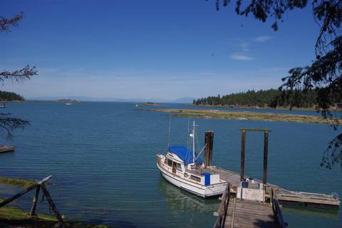 House for sale at 1363 Sturdies Bay Rd Galiano Island British Columbia - MLS: R2102530