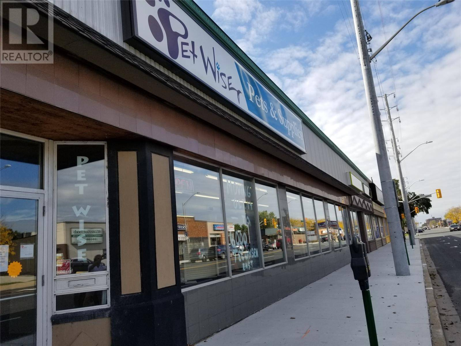 Commercial property for lease at 1365 Tecumseh Rd East Apartment 1365 Windsor Ontario - MLS: 19018420