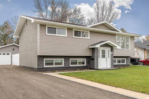 House for sale at 1369 Prince Cres Moose Jaw Saskatchewan - MLS: SK789877