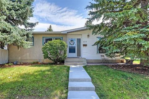 House for sale at 137 Brantford Cres Northwest Calgary Alberta - MLS: C4262749