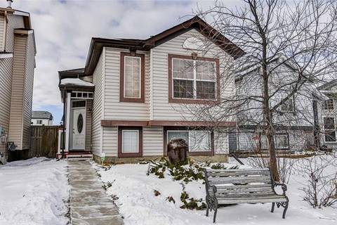 House for sale at 137 Covehaven Rd Northeast Calgary Alberta - MLS: C4285740