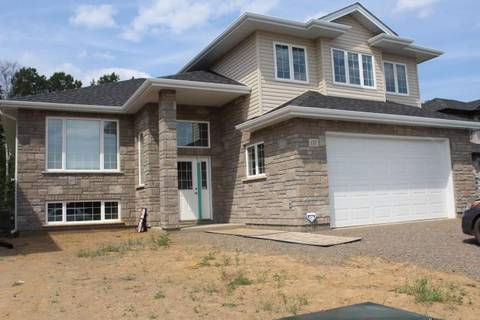 House for sale at 137 Dogwood Cres Thunder Bay Ontario - MLS: TB192258