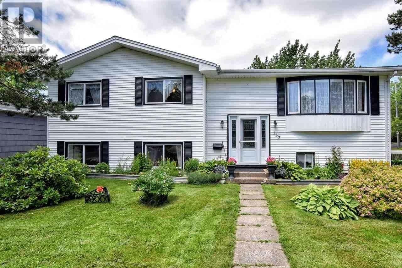 House for sale at 137 Gourok Ave Dartmouth Nova Scotia - MLS: 202012485