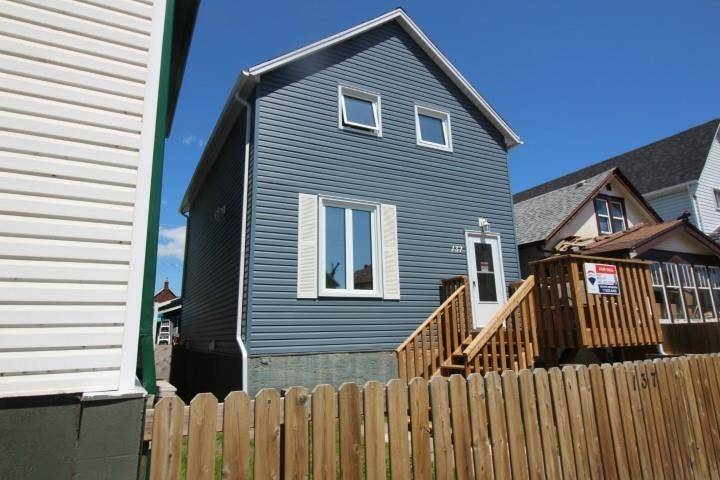 House for sale at 137 Heron St Thunder Bay Ontario - MLS: TB191815