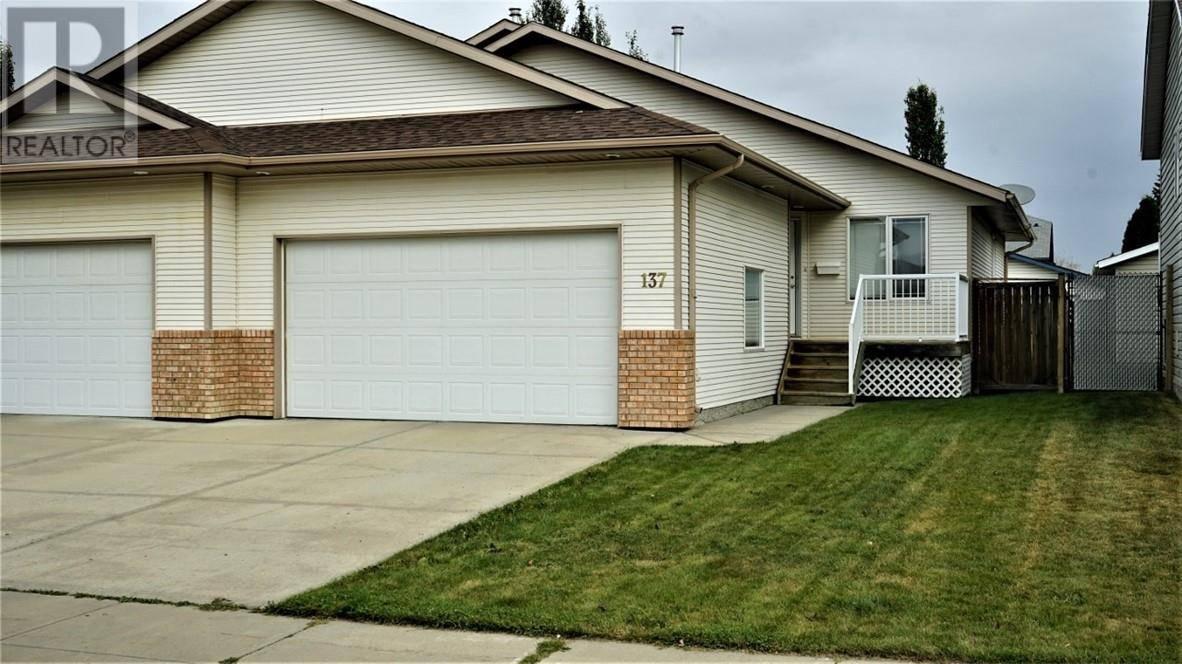 Townhouse for sale at 137 Lampard Cres Red Deer Alberta - MLS: ca0178381