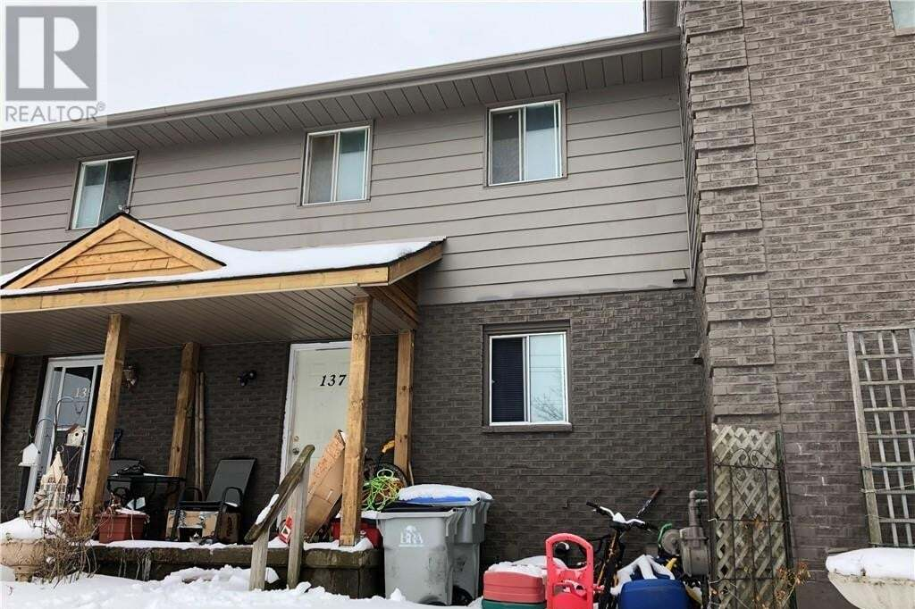 Townhouse for sale at 137 Simcoe St Exeter Ontario - MLS: 247158