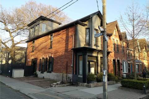 Townhouse for sale at 137 Spruce St Toronto Ontario - MLS: C4737692