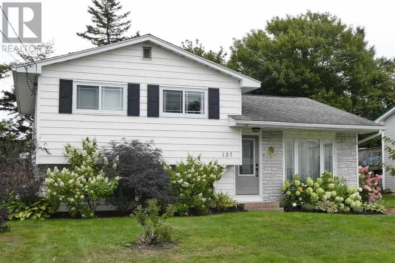 House for sale at 137 Taranaki Dr Dartmouth Nova Scotia - MLS: 202018597