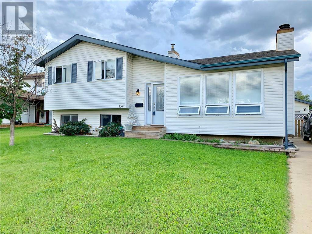 House for sale at 137 Whiteoak Garden  Fort Mcmurray Alberta - MLS: fm0177294
