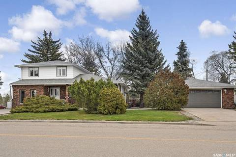 House for sale at 1371 11th Ave NW Moose Jaw Saskatchewan - MLS: SK788130