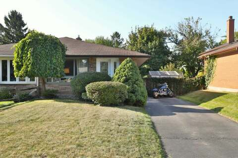 Townhouse for sale at 1371 Langdale Cres Oakville Ontario - MLS: W4927120