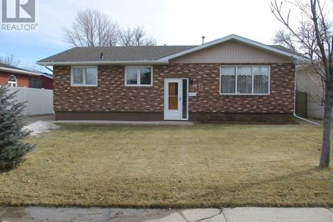 House for sale at 1372 Queen Cres Moose Jaw Saskatchewan - MLS: SK801219