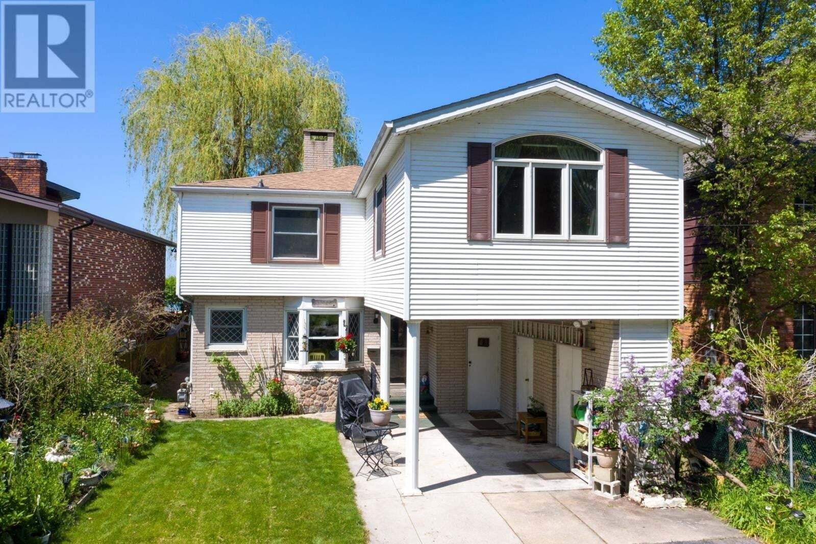 House for sale at 13748 Riverside Dr East Tecumseh Ontario - MLS: 20005918