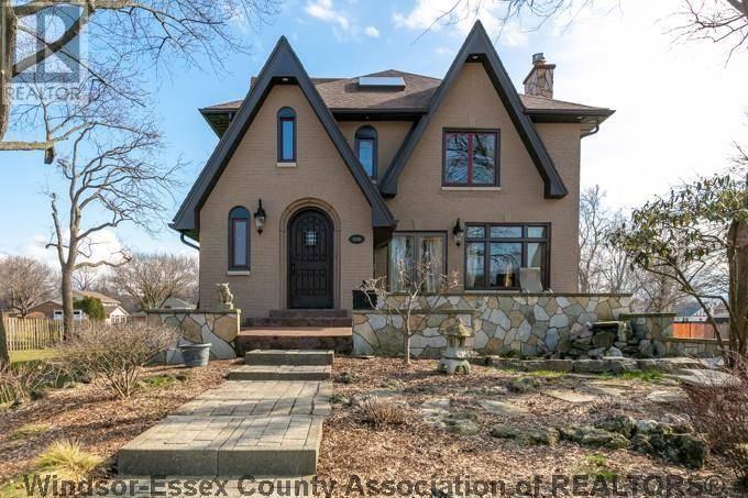 House for sale at 13749 Riverside  Tecumseh Ontario - MLS: 19013568