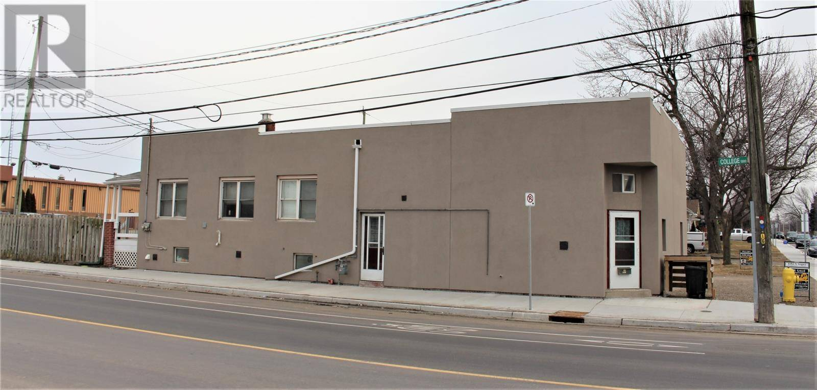 Townhouse for sale at 1375 College  Windsor Ontario - MLS: 20002314