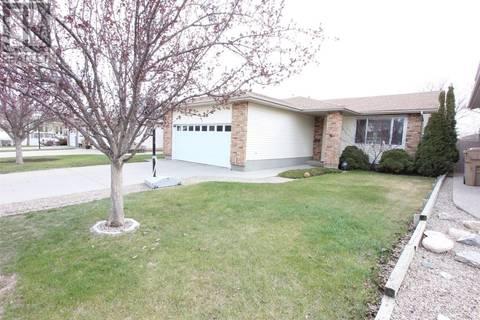 House for sale at 1375 Hahn Cres N Regina Saskatchewan - MLS: SK771676