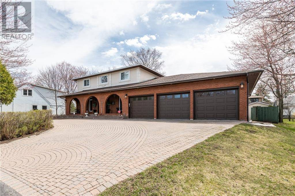 Residential property for sale at 1378 Mcmahon Ave Ottawa Ontario - MLS: 1181427