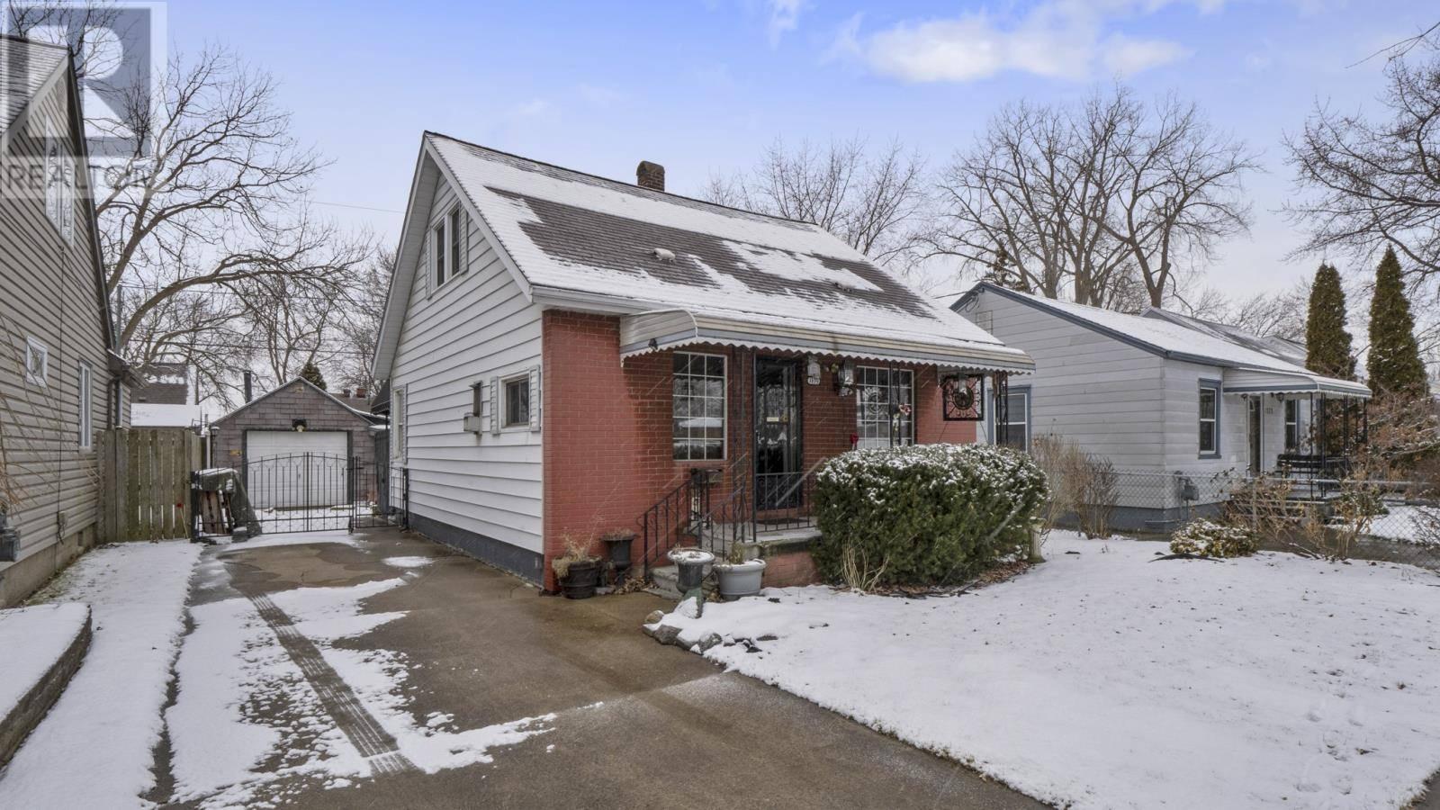 House for sale at 1379 Labadie Rd Windsor Ontario - MLS: 20001833