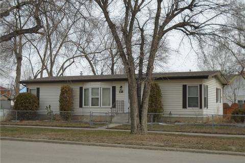 House for sale at 138 47 Ave West Claresholm Alberta - MLS: C4237728
