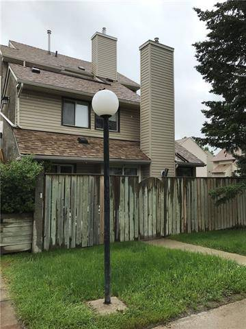 Townhouse for sale at 48 Glamis Green Southwest Unit 138 Calgary Alberta - MLS: C4262860