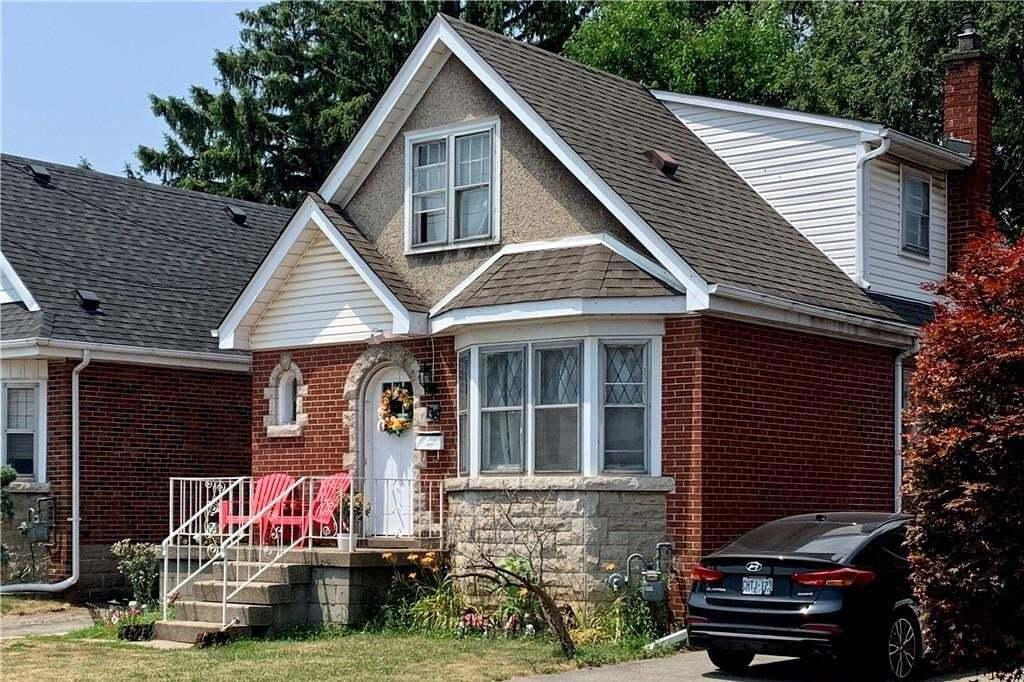 House for sale at 138 Tuxedo Ave S Hamilton Ontario - MLS: H4082331