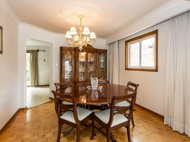 For Sale: 138 Whitchurch Mews, Mississauga, ON | 4 Bed, 4 Bath House for $979,777. See 20 photos!