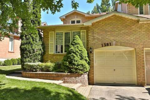 Townhouse for sale at 1381 Stonecutter Dr Oakville Ontario - MLS: W4816459