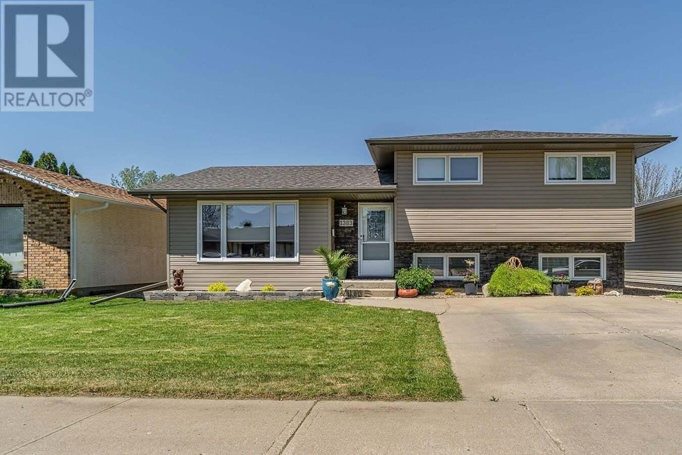 House for sale at 1383 Regal Cres Moose Jaw Saskatchewan - MLS: SK810735