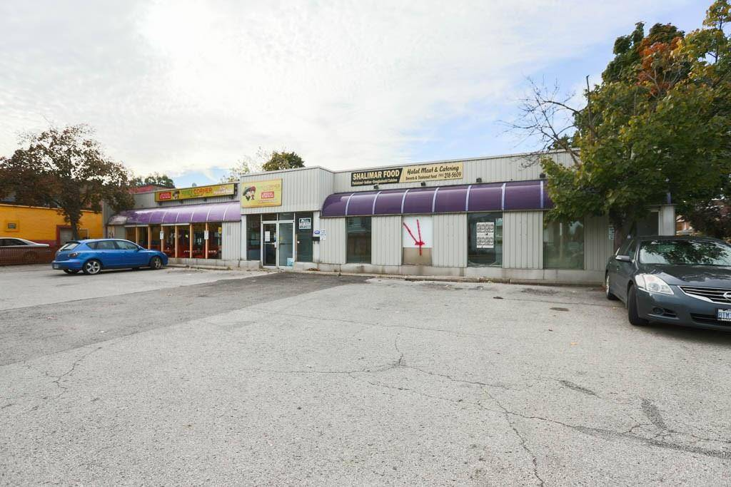 Residential property for sale at 1384 Main St E Hamilton Ontario - MLS: H4067131