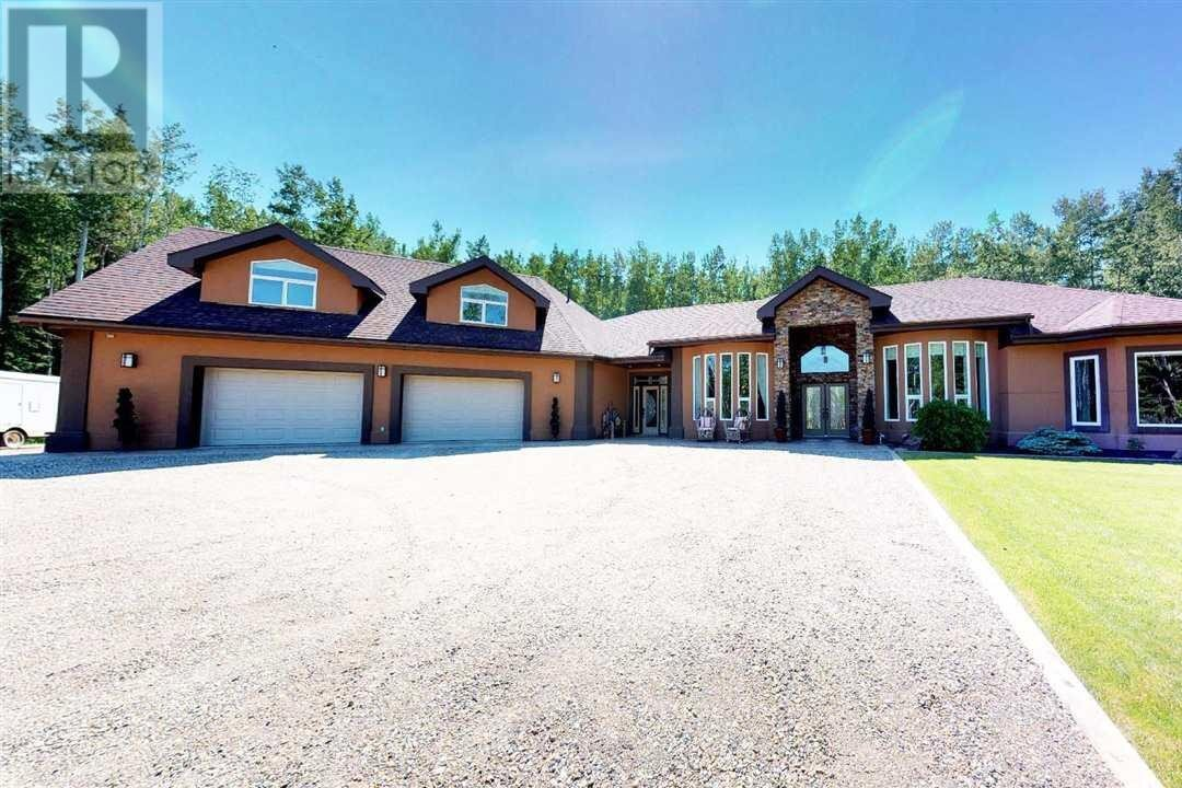 House for sale at 13864 Golf Course Rd Charlie Lake British Columbia - MLS: R2517382