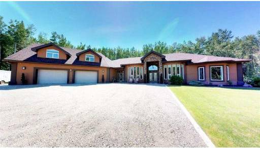 House for sale at 13864 Golf Course Rd Charlie Lake British Columbia - MLS: R2364668