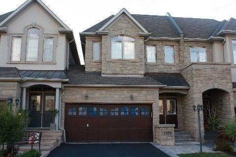 Townhouse for rent at 1389 Craigleith Rd Oakville Ontario - MLS: W4675584