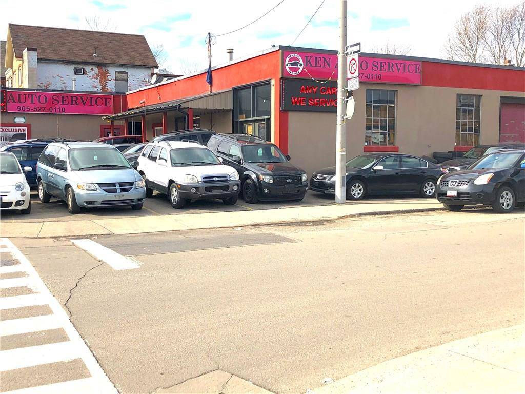 Home for sale at 139 Cannon St E Hamilton Ontario - MLS: H4048431