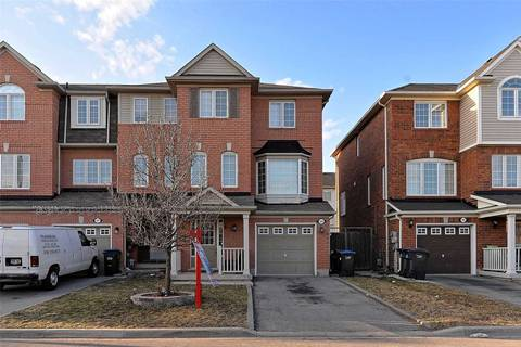 Townhouse for sale at 139 Decker Hollow Circ Brampton Ontario - MLS: W4404204
