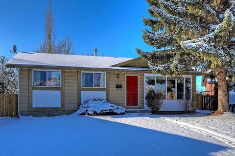House for sale at 139 Queensland Circ Southeast Calgary Alberta - MLS: C4275543