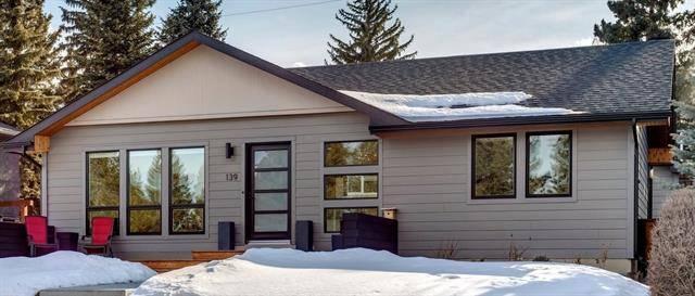 House for sale at 139 Wildwood Dr Southwest Calgary Alberta - MLS: C4288137