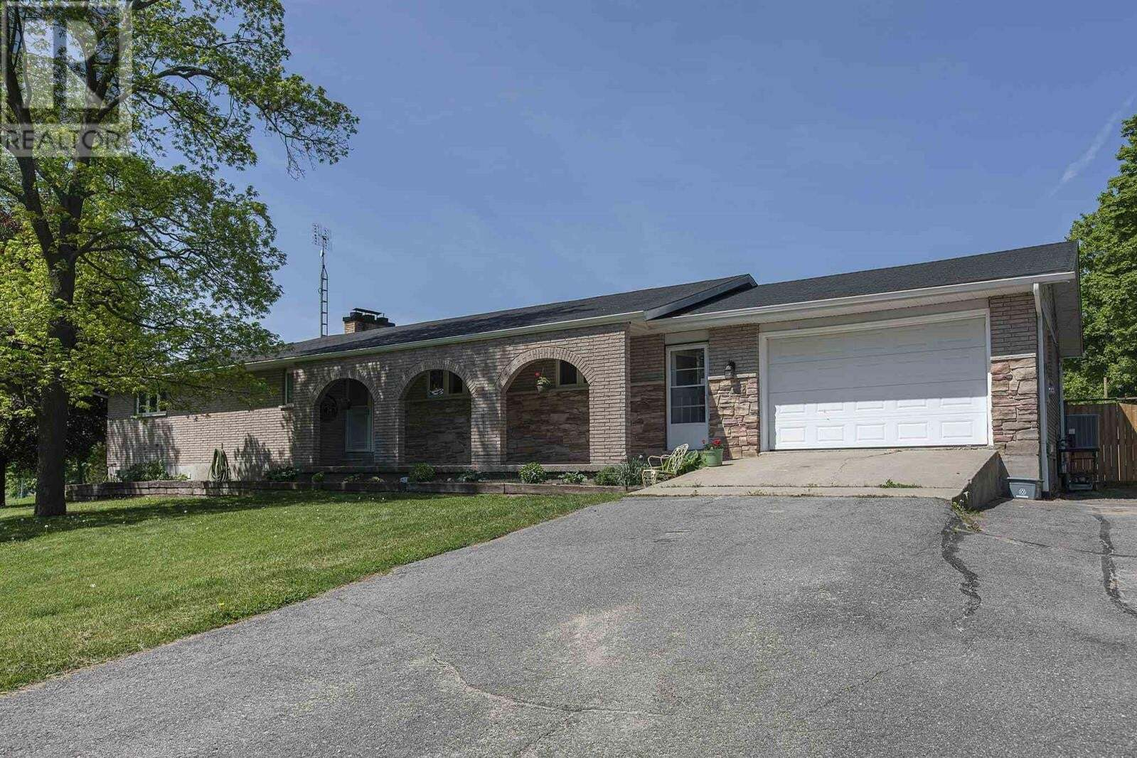 House for sale at 1391 Rickards Rd South Frontenac Ontario - MLS: K20002703