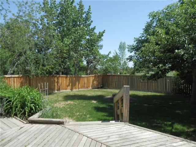 For Sale: 1392 Berkley Drive Northwest, Calgary, AB | 4 Bed, 2 Bath House for $359,900. See 32 photos!