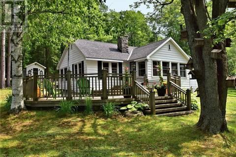 House for sale at 1395 Buckslide Rd Algonquin Highlands Ontario - MLS: 208438