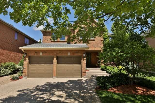 For Sale: 1399 Silversmith Drive, Oakville, ON | 4 Bed, 4 Bath House for $1,228,000. See 20 photos!