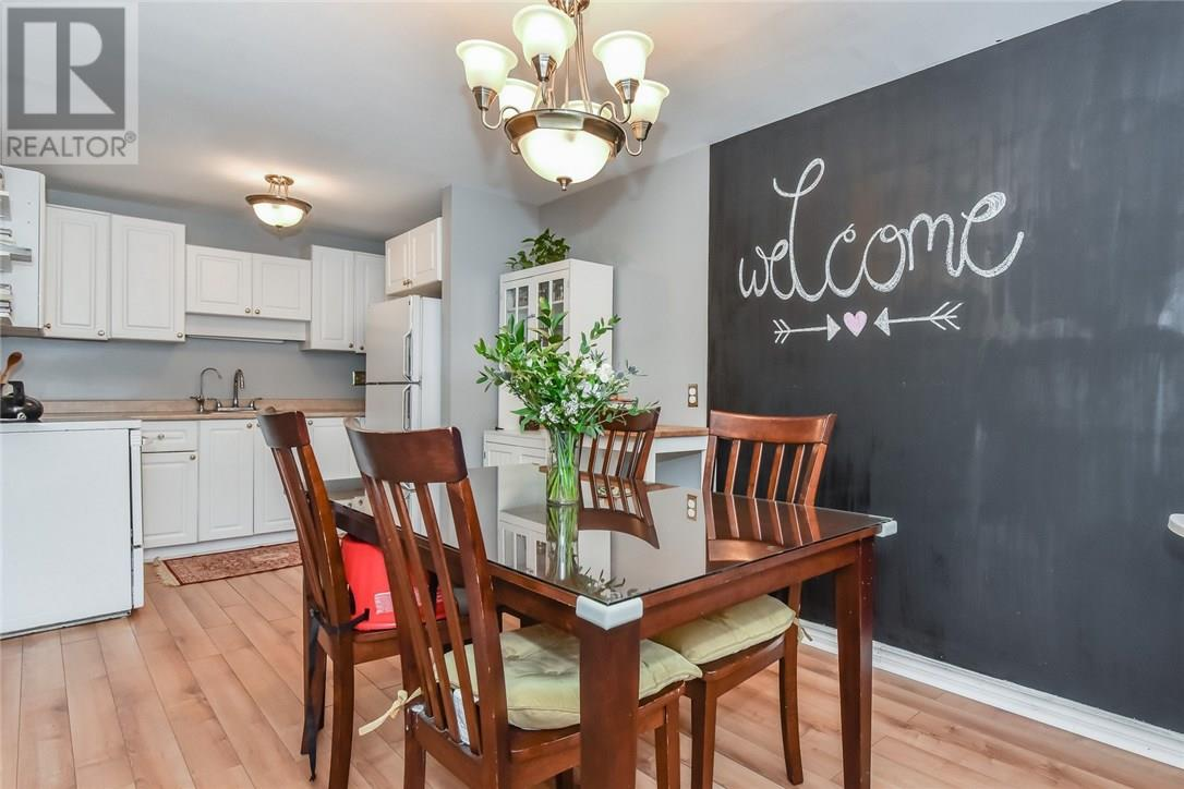 Buliding: 120 Country Club Drive, Guelph, ON