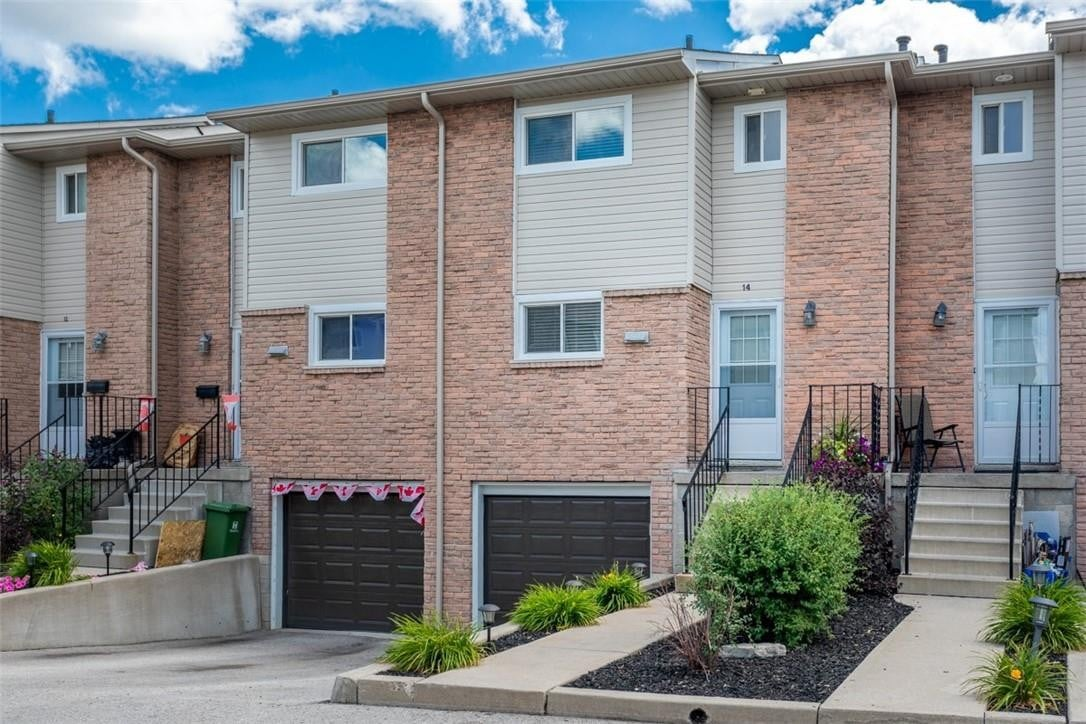 Townhouse for sale at 1355 Upper Gage Ave Unit 14 Hamilton Ontario - MLS: H4084148