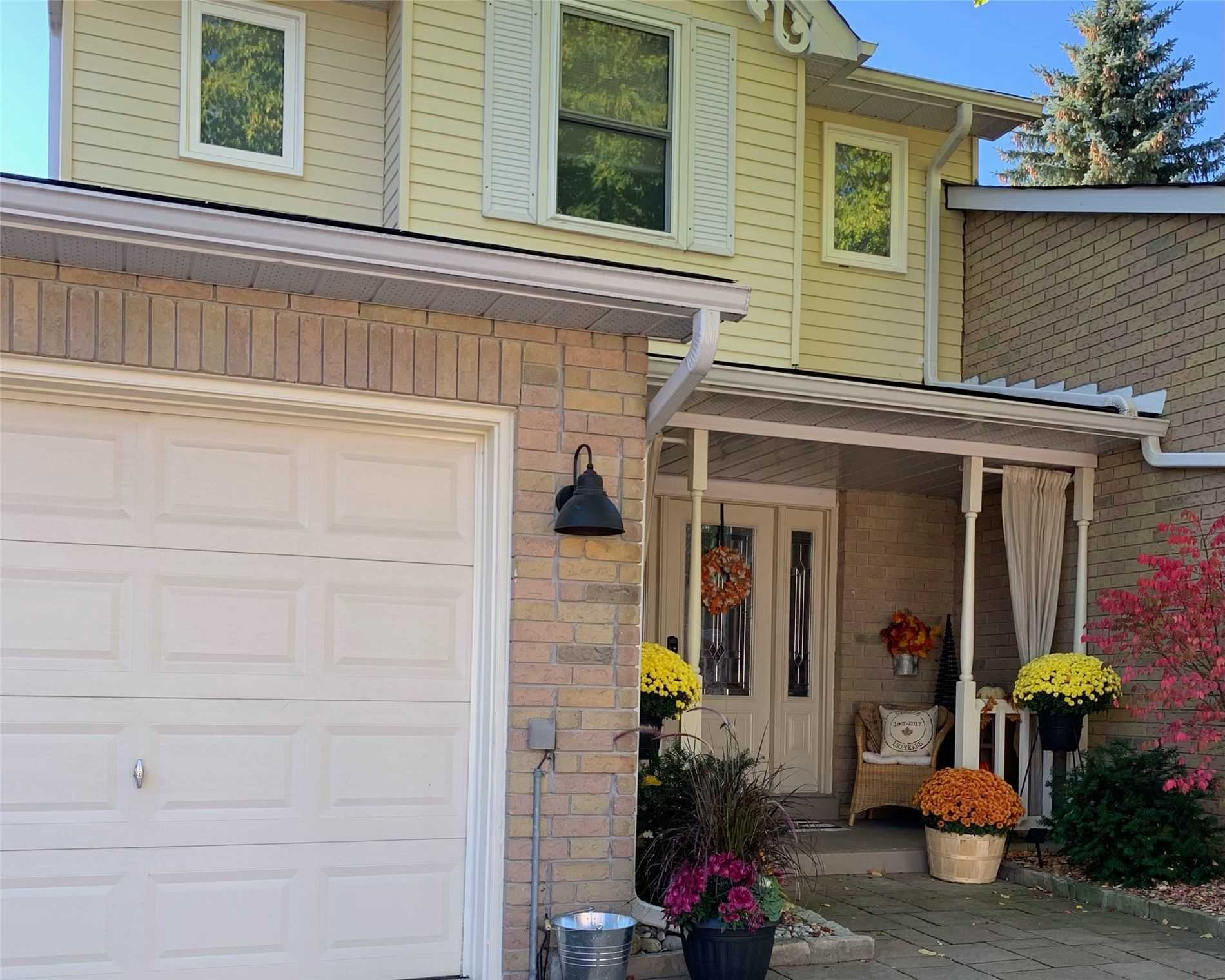 For Sale: 14 - 14 Adams Court, Uxbridge, ON | 3 Bed, 4 Bath Townhouse for $569900.00. See 23 photos!