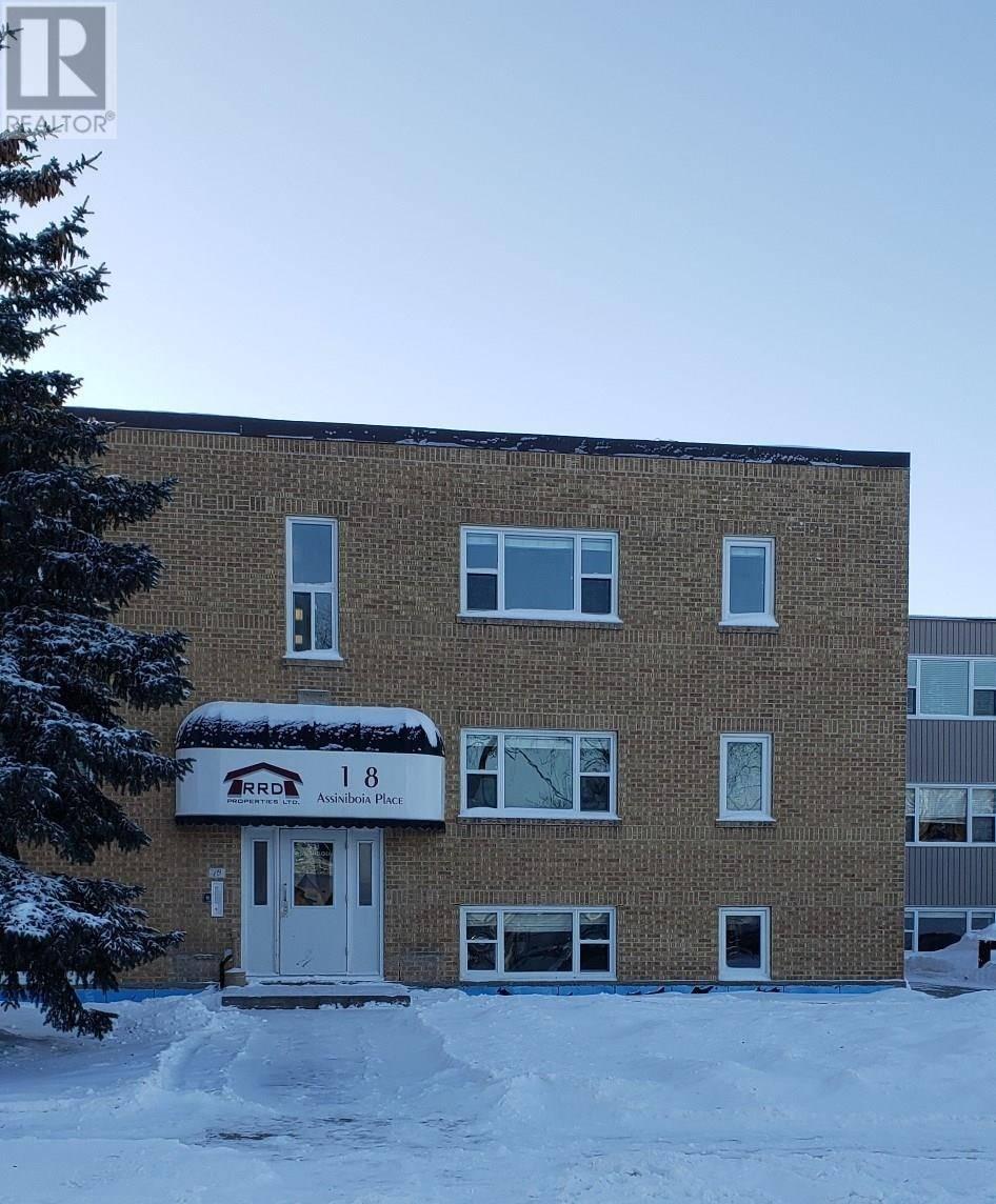 Townhouse for sale at 18 Assiniboia Ave Unit 14 Yorkton Saskatchewan - MLS: SK805885