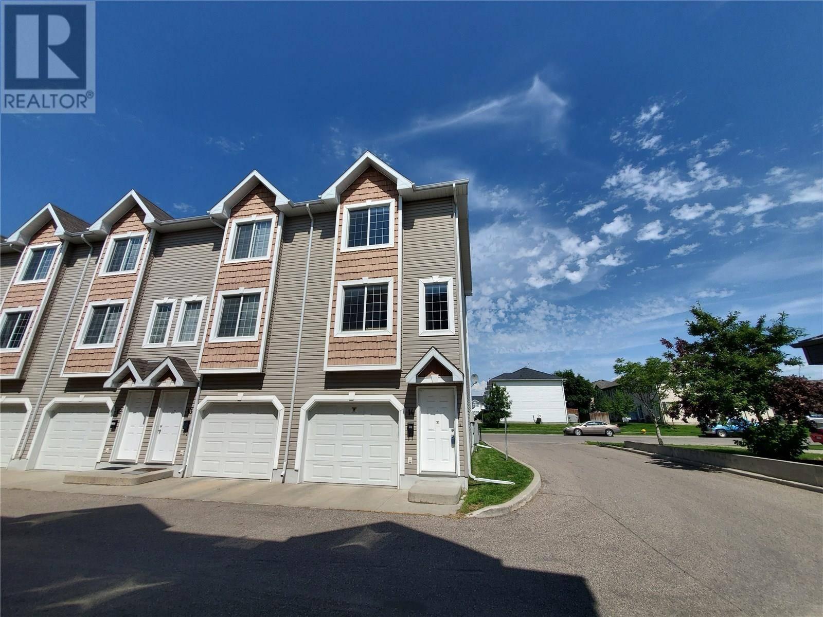 Townhouse for sale at 302 Herold Rd Unit 14 Saskatoon Saskatchewan - MLS: SK782245