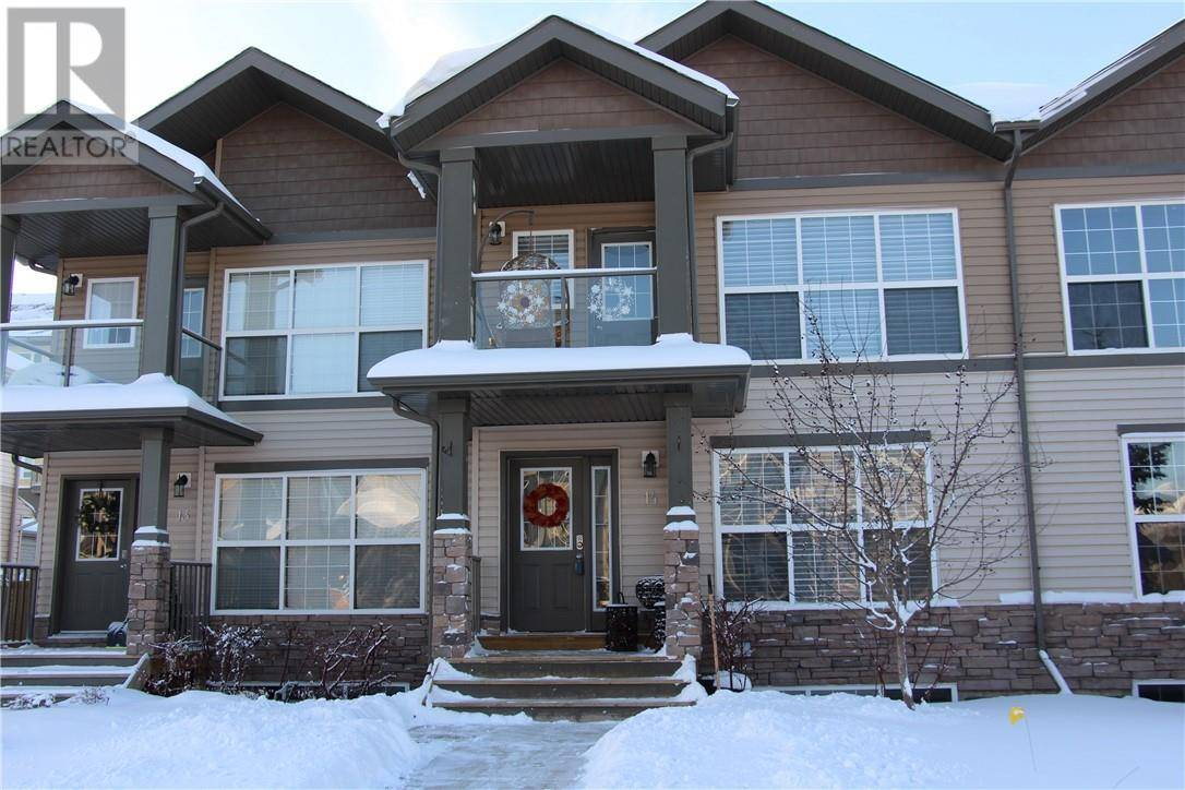 Townhouse for sale at 400 Sparrow Hawk Dr Unit 14 Fort Mcmurray Alberta - MLS: fm0186251